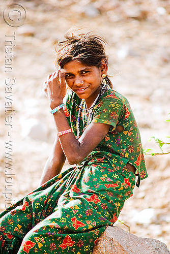 country girl - near udaipur (india), india, udaipur