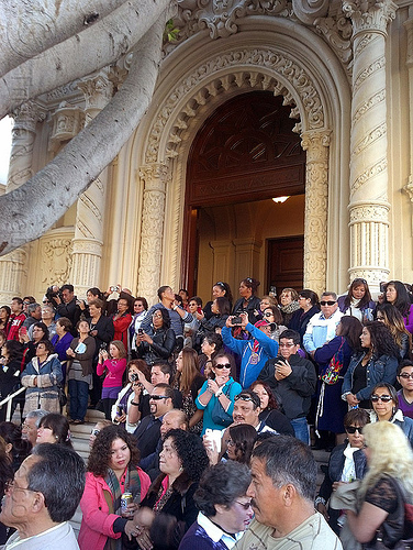 crowd on the steps of mission dolores church (san francisco), church, crowd, lord of miracles, mission dolores, mission san francisco de asís, parade, peruvians, procesión, procession, religion, señor de los milagros, steps, street, vault