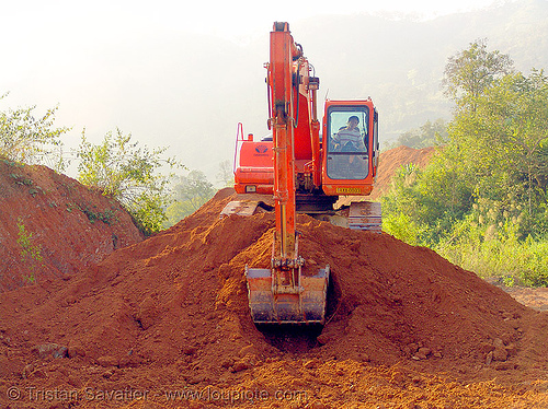 daewoo S220LC-V excavator - road construction - vietnam, at work, daewoo excavator, daewoo s220lc-v excavator, dirt road, earth road, groundwork, road construction, roadworks, unpaved, vietnam, working