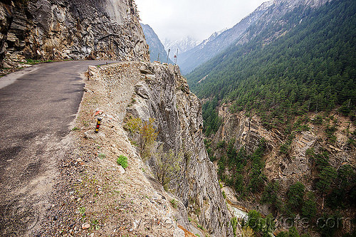 dangerous mountain road to gangotri (india), bhagirathi valley, cliff, india, mountain road, mountains