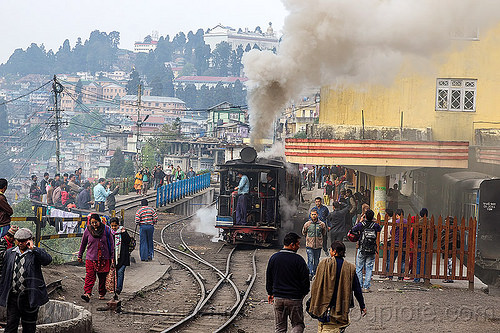 darjeeling train station - steam locomotive (india), 791, crowd, darjeeling himalayan railway, darjeeling toy train, india, narrow gauge, rail switches, railroad tracks, railway tracks, smoke, smoking, steam engine, steam locomotive, steam train engine, train station