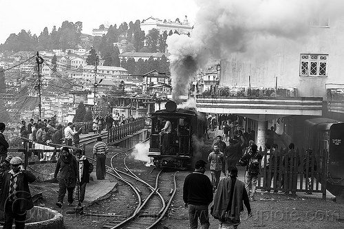 darjeeling train station - stream locomotive (india), 791, crowd, darjeeling himalayan railway, darjeeling toy train, narrow gauge, rail switches, railroad tracks, rails, railway tracks, smoke, smoking, steam engine, steam locomotive, steam train engine, train station