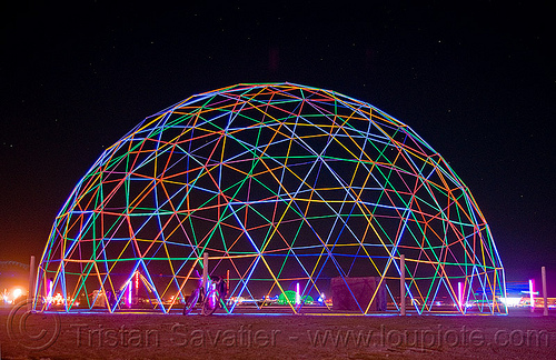 darwin dome at night - burning man 2009, blacklight, burning man, darwin dome, fluorescent, geodesic dome, hippie killer, night, overkill, tetrion, truss