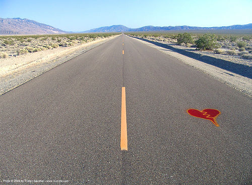 desert road, broken heart, death valley, desert, graffiti heart, lonely, love, panamint spring, perspective, red, street art, trona road, vanishing point