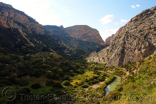 desfiladero de los gaitanes - el chorro gorge (spain), canyon, desfiladero de los gaitanes, el caminito del rey, el camino del rey, el chorro, gorge, mountaineering, mountains, river, valley