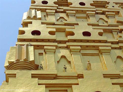 detail of giant golden tower in wat - สังขละบุรี - sangklaburi - thailand, golden color, sangklaburi, temple, tower, wat, ประเทศไทย, วัดวังก์วิเวการาม, สังขละบุรี
