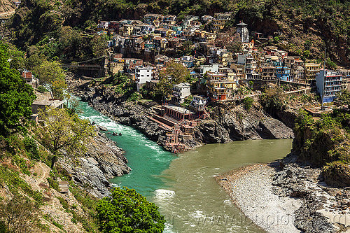 devprayag - confluence of the alaknanda and bhagirathi rivers into the  ganges river (india), alaknanda river, bhagirathi river, confluence, devprayag, ganga, ganges river, ghats, india, river bed, village
