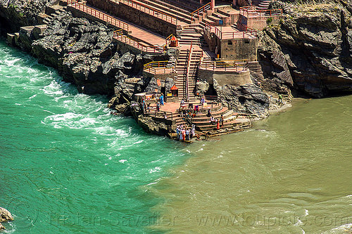 devprayag - ghat at the sangam - confluence of the alaknanda and bhagirathi rivers into the  ganges river (india), alaknanda river, bhagirathi river, crows, ganga, ganga river, hinduism, people, pilgrims, river bed, rocks, stairs, steps, water, yatris