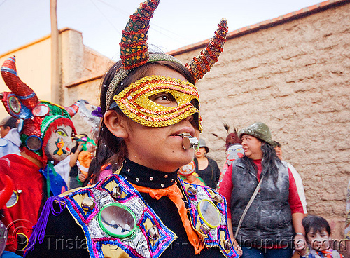 diabla with whistle - carnaval de humahuaca (argentina), andean carnival, argentina, careta de diablo, carnival mask, colorful, costume, diabla, diablo carnavalero, diablo de carnaval, folklore, indigenous culture, mirrors, noroeste argentino, quebrada de humahuaca, quechua culture, tribal, whistle, woman