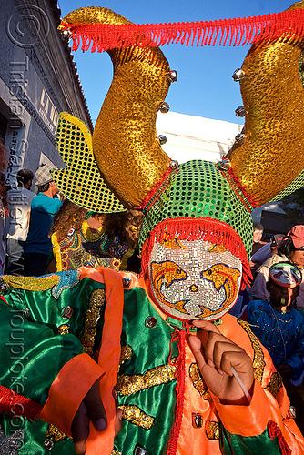 diablo - carnaval de humahuaca (argentina), andean carnival, careta de diablo, costume, diablo carnavalero, diablo de carnaval, folklore, horns, indigenous culture, man, mask, mirrors, noroeste argentino, quebrada de humahuaca, tribal
