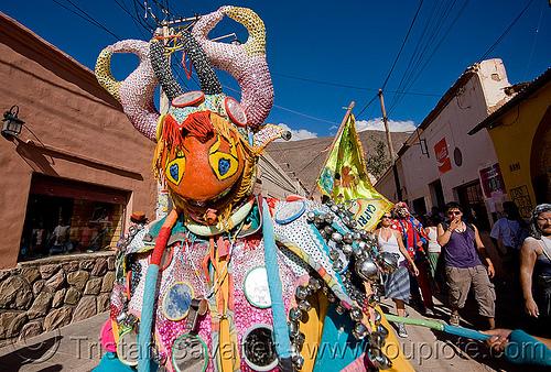 diablo carnavalero - carnival (argentina), andean carnival, careta de diablo, costume, diablo carnavalero, diablo de carnaval, folklore, horns, indigenous culture, man, mask, mirrors, noroeste argentino, quebrada de humahuaca, tilcara, tribal