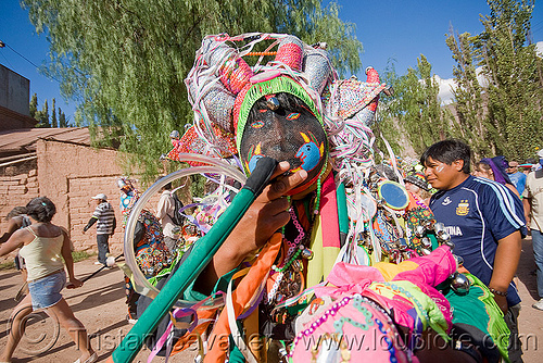diablo holding tail - carnaval de tilcara (argentina), andean carnival, argentina, colorful, confettis, costume, diablo carnavalero, diablo de carnaval, folklore, indigenous culture, man, mask, mirrors, noroeste argentino, quebrada de humahuaca, quechua culture, serpentine throws, tail, tilcara, tribal