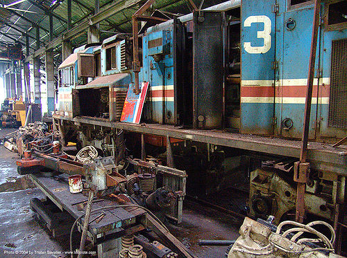 diesel-electric train engine, atlantic railway, costa rica, diesel-electric, locomotive, puerto limon, rusty, train depot, train engine, train yard, trespassing