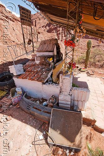 difunta correa shrine - quebrada de las conchas - cafayate (argentina), calchaquí valley, difunta correa, noroeste argentino, quebrada de cafayate, quebrada de las conchas, shrine, valles calchaquíes