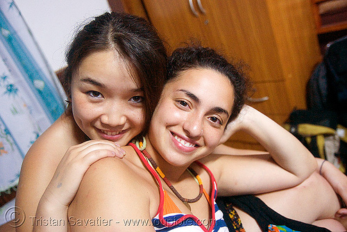 dilve and sangzi - vang vieng (laos), asian woman, dilve, girls, sangzi, vang vieng, women, 桑梓