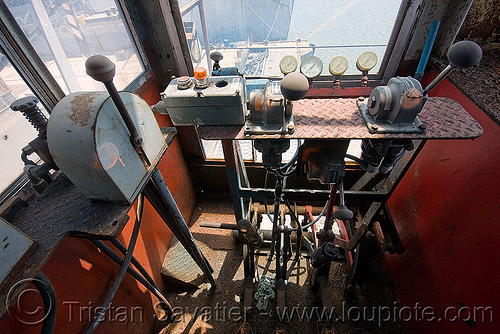 dockside crane control cabin - the whirley crane - richmond kaiser naval shipyard (near san francisco), abandoned, cab, control cabin, controls, cw 3204, dockside crane, harbor crane, harbour crane, industrial, kaiser shipyard, naval shipyard, port crane, portainers, richmond shipyard number 3, rosie the riveter, trespassing, urban exploration, whirley crane