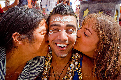 double kiss - burning man 2012, people, suliman nawid