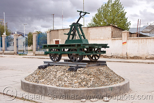 draisine railroad monument - uyuni (bolivia), dolly, draisine, enfe, fca, monument, rail trolley, railroad, railway, speeder, uyuni