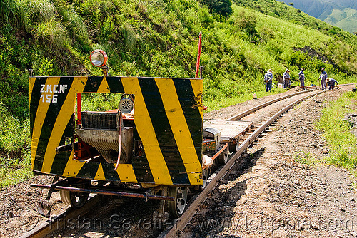 draisine used to carry equipment for track maintenance (argentina), argentina, dolly, draisine, metric gauge, narrow gauge, noroeste argentino, rail trolley, railroad construction, railroad speeder, railroad tracks, railway tracks, single track, track maintenance, tren a las nubes, workers, zmcn 156