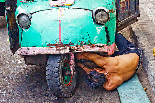 driver fixing his bemo, autorickshaw, bemo, daihatsu midget, jakarta, java, midget i, motor becak hood fixing mechanic man working people headlights front, rickshaw, street, three wheeler, wheel