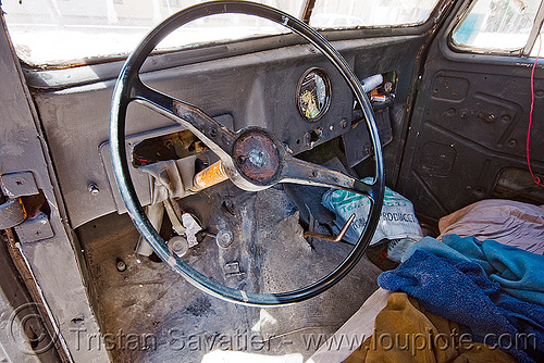 driving wheel - willy's pickup truck (argentina), 4x4, a015904, all-terrain, argentina, cafayate, calchaquí valley, classic car, driving wheel, inside, lorry, noroeste argentino, old, pickup truck, rusty, valles calchaquíes, willy's jeep
