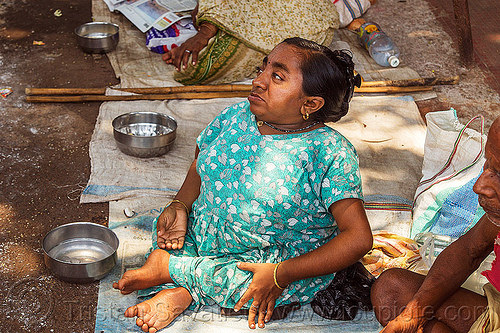 dwarf woman begging (india), beggar, crippled, dwarfism, hinduism, little person, lp, people, sitting