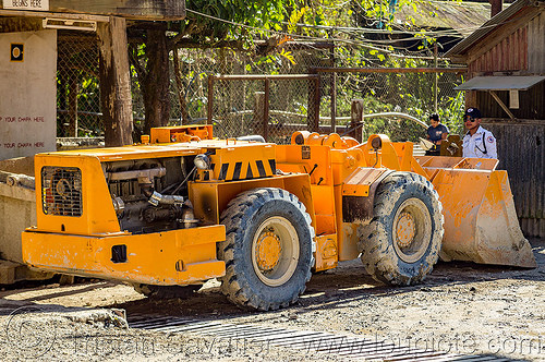 EJC mining wheel loader (philippines), balatoc mines, ejc, front loader, gold mine, machinery, philippines, wheel loader