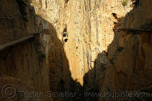 camino del rey - el chorro gorge (spain), bridge, caminito del rey, canyon, cliffs, desfiladero de los gaitanes, mountain, mountaineering, pathway, railroad, railway, shadow, trail