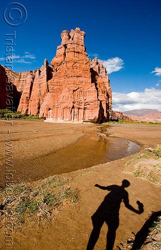 el castillo - quebrada de las conchas - cafayate (argentina), calchaquí valley, cliff, el castillo, mountains, noroeste argentino, quebrada de cafayate, quebrada de las conchas, river bed, shadow, valles calchaquíes