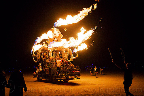el pulpo mecanico - burning man 2012, el pulpo mecanico, fire, flames, metal, night, octopus art car, sculpture, steampunk octopus