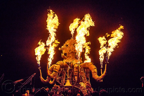el pulpo mecanico - burning man 2015, burning man, el pulpo mecanico, fire, flames, metal, night of the burn, octopus art car, sculpture, steampunk octopus