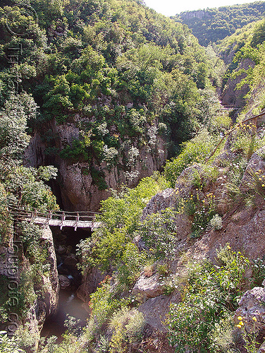 emen-canyon - gorge and foot bridge (bulgaria), bridge, emen canyon, footbridge, gorge, еменски каньон