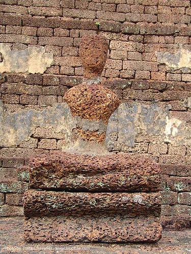 พระพุทธรูป - eroded buddha statue - wat chedi chet thaeo - si satchanalai chaliang historical park, near sukhothai - thailand, amphoe si satchanalai, buddha image, buddha statue, buddhism, buddhist temple, cross-legged, ruins, sculpture, wat chedi chet thaeo, ประเทศไทย, พระพุทธรูป, วัดเจดีย์เจ็ดแถว ศรีสัชนาลัย, อุทยานประวัติศาสตร์ศรีสัชนาลัย