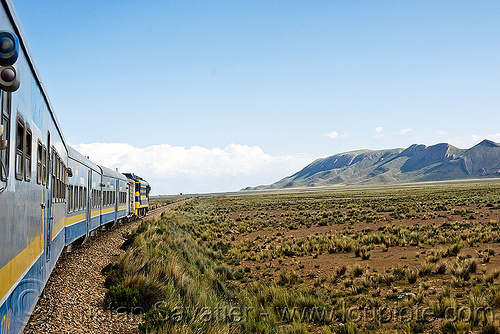 """expreso del sur"" train (bolivia), altiplano, bolivia, enfe, expreso del sur, fca, pampa, railroad tracks, railway tracks, train"