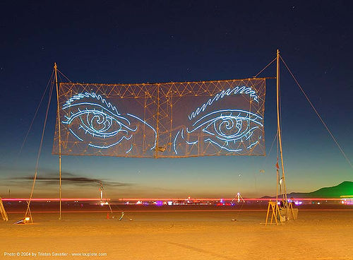 eyes-of-gawd-burning-man-2004, art installation, burning man, eyes of gawd, night