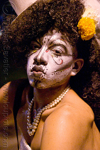 face paint - dia de los muertos - halloween (san francisco), crossdressing, day of the dead, dia de los muertos, drag queen, face painting, facepaint, halloween, hat, makeup, man, night, transvestite