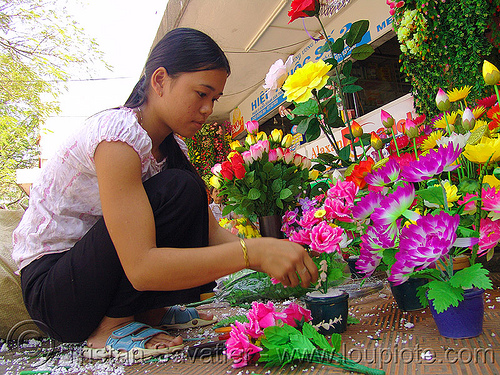 fake flowers - child labour - vietnam, artificial flowers, child labour, fake flowers, hué