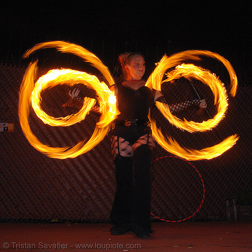 fire performer - LSD fuego, fire dancer, fire dancing, fire poi, fire spinning, flames, long exposure, los sueños del fuego, night, people, spinning fire