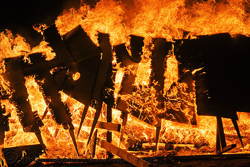 fire - wooden sculpture burning, burning man, fire, flames, night, wood, zark!