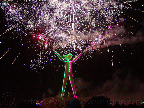 fireworks show on the night of the burn - burning man 2015, fireworks, night of the burn, pyrotechnics, the man