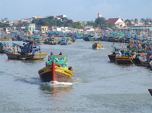 fishing trawlers in harbor - phan thiet - vietnam, colorful, fishing boats, fishing trawlers, harbor, phan thiet, sailing, vietnam