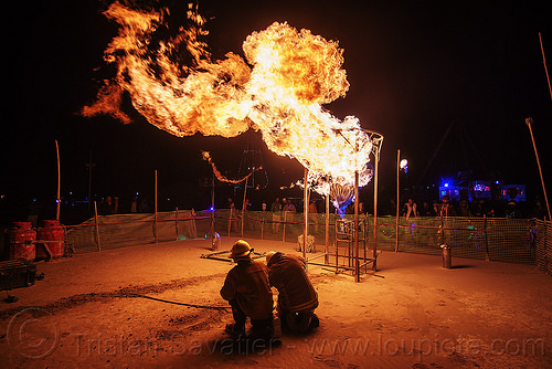 flaming heart - brightheart - burning man 2015, art installation, brightheart, burning, fire, flame, heart, metal, night, sculpture
