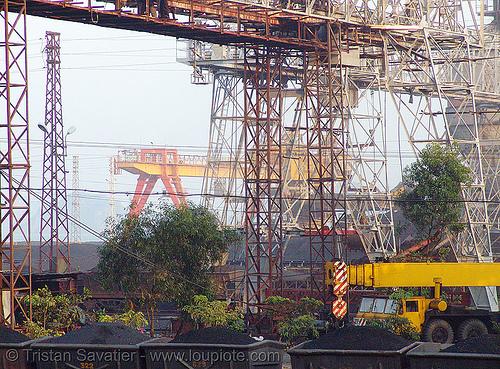 gantry cranes - Cẩm phả coal mine (vietnam), cam pha, coal mine, cẩm phả, gantry cranes, portal cranes