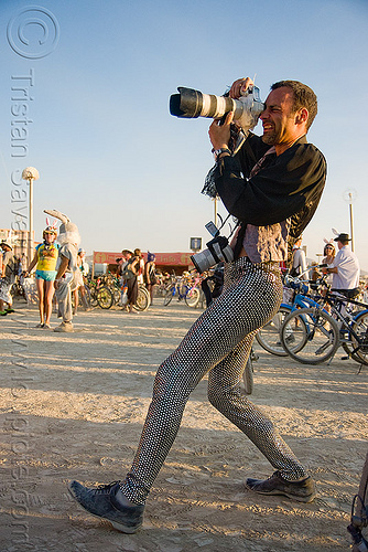 german photographer - hannes - burning man 2009, burning man, camera, hannes, photographer, zoom lens