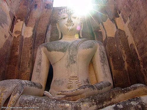 พระพุทธรูป - giant buddha statue - วัดศรีชุม - wat si chum - อุทยาน ประวัติศาสตร์ สุโขทัย - เมือง เก่า สุโขทัย - sukhothai - thailand, buddha image, buddha statue, buddhism, buddhist temple, cross-legged, giant buddha, placemark, sculpture, sukhothai, wat si chum, ประเทศไทย, พระพุทธรูป, วัดศรีชุม, อุทยาน ประวัติศาสตร์ สุโขทัย, เมือง เก่า สุโขทัย