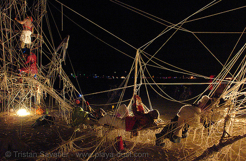 giant cat's cradle - burning-man 2006, art installation, burning man, cat's cradle, kunststoff dance theater, night, sculpture, tomi paasonen