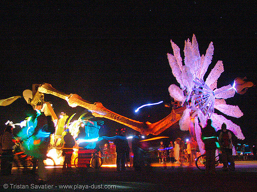 giant flower - miracle grow by patrick shearn and al - burning-man 2005, art car, burning man, giant flower, miracle grow, mutant vehicles, night