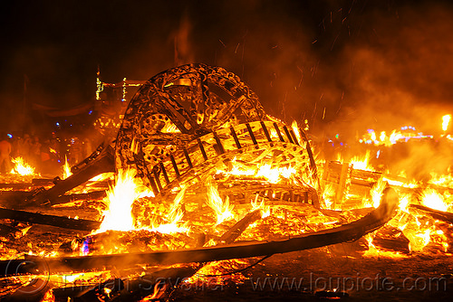 giant gears in the man fire embers - burning man 2016, burning man, fire, flame, night, the man