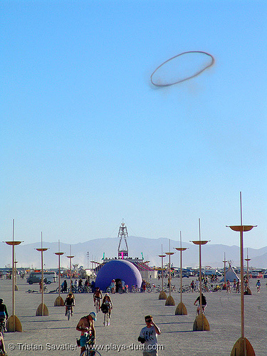 giant smoke ring - burning-man 2005, art, smoke ring