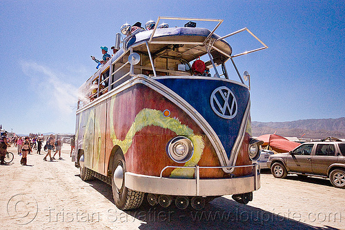 giant VW minibus - art car, art car, burning man, giant, minibus, project walter, riesenbus, volks wagen, vw bus, walter the bus